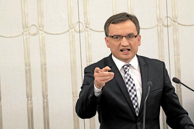 Ziobro: z sądów pod różnymi pretekstami wyprowadzano pieniądze