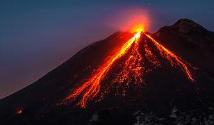 Największą erupcję Etny, nie licząc roku 122 p.n.e., datuje się na 11 marca 1669 r.