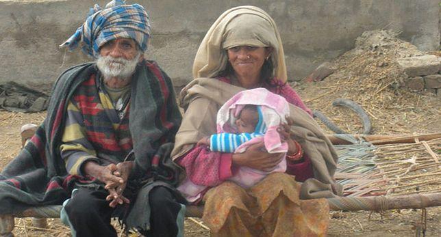 96-letni Indus po raz drugi szczęśliwym ojcem