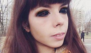 Wytatuowała oczy, by być jak Popek. Traci wzrok, ale niczego nie żałuje