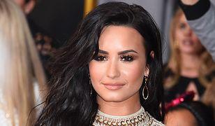 Demi Lovato zrezygnowała z bielizny i zrobiła furorę na rozdaniu Grammy 2017