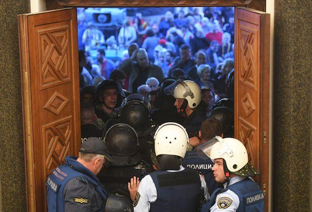Bójka w parlamencie Macedonii. Polała się krew