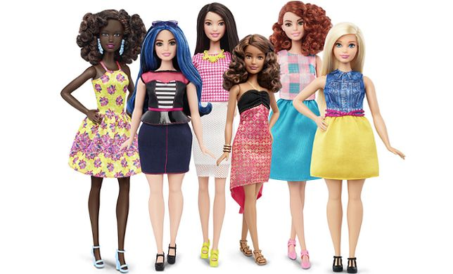 Po 57 latach lalka Barbie w końcu może zrezygnować z diety. W ofercie Mattel w końcu pojawiła się krągła lalka!