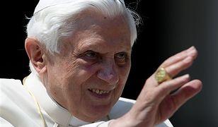 Papież zobaczy Całun Turyński