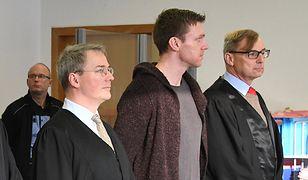 Maik Schneider ze swoimi prawnikami