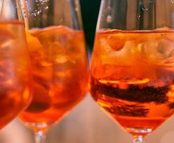 Kultowy drink w sam raz na lato. Przepis na bezalkoholowy Aperol Spritz
