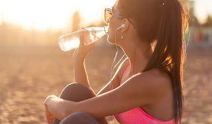 Powinniśmy pamiętać o piciu wody nie tylko w czasie upałów