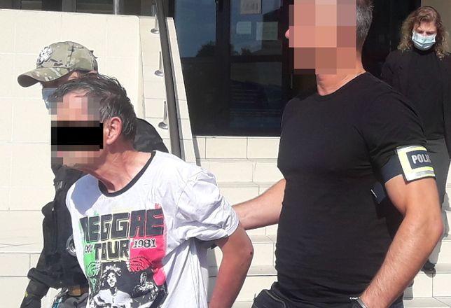 Piaseczno. Kierowca, który w poniedziałek ścigał się po krajowej drodze numer 7 i uciekał przed policyjnym pościgiem, trafił na trzy miesiące do aresztu