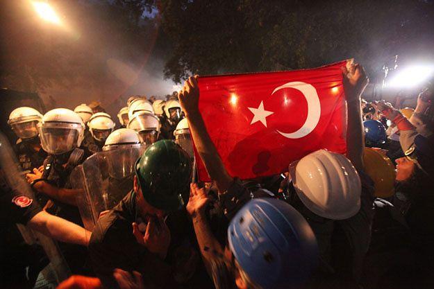 Zamieszki w Stambule z czerwca 2013 roku