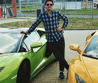 """""""Król TVN-u"""" pochwalił się zawartością swojego garażu."""