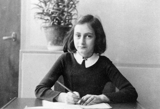 Anne Frank -  młodziutka pisarka