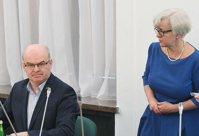 Gen. Waldemar Skrzypczak i Joanna Kluzik-Rostkowska na posiedzeniu komisji śledczej PO