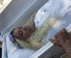 Fałszywy pogrzeb. Kobieta przez kilka godzin udawała martwą