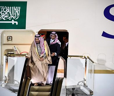 Samolot króla Arabii Saudyjskiej wyposażony jest w pozłacane schody ruchome