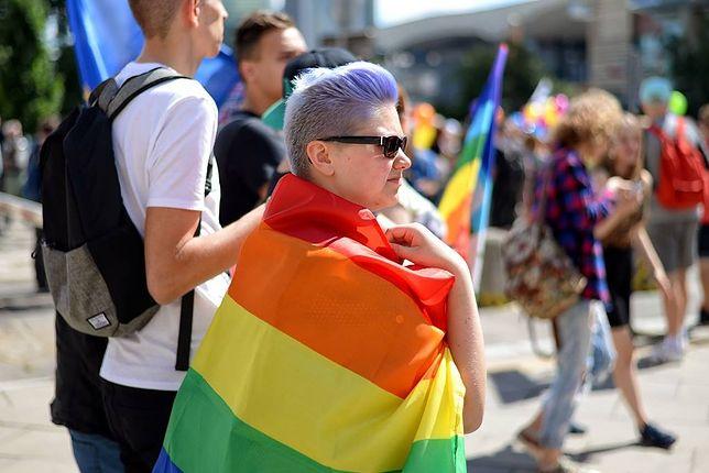 Szczygieł, Passent i Nowicka ratują jedyny w Polsce hostel dla osób LGBT