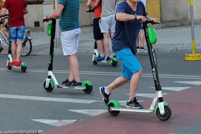 """Hulajnogi elektryczne jako """"urządzenia transportu osobistego"""". Co to oznacza?"""