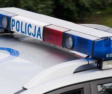 Warszawa. Policjanci przeprowadzili kontrolę drogową na Wilanowie samochodu z dyplomatycznymi numerami rejestracyjnymi