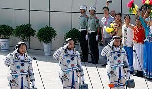 Załoga statku Shenzhou 9