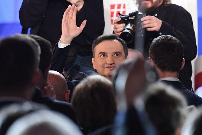 """Solidarna Polska na konwencji broni reformy sądów. """"Trwa zamach sędziowski na ustrój Polski"""""""