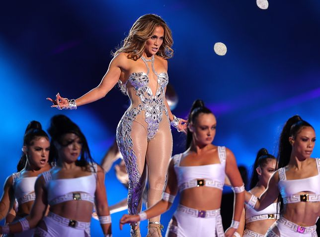 W tym roku w przerwie meczu o SuperBowl wystąpiła Shakira i Jennifer Lopez