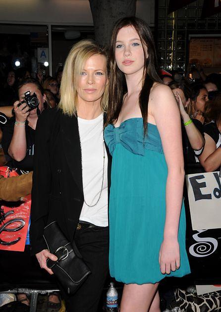 Ireland Baldwin, Kim Basinger