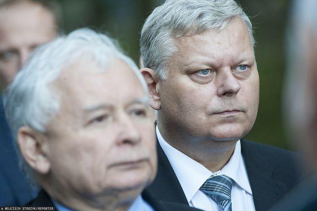 Poseł PiS Marek Suski obok prezesa partii Jarosława Kaczyńskiego (zdj. arch.)