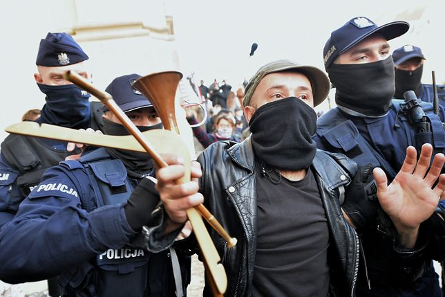 """Strajk kobiet. MSWiA zapowiada """"zdecydowane działania policji"""""""