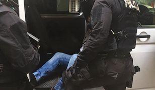 Poznań. Ujęto nożownika. Zaatakował, bo zwrócono mu uwagę na brak maseczki