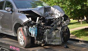 Jak wydostać się z auta po wypadku. Praktyczny poradnik