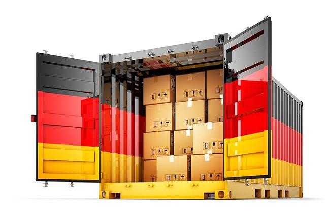 Świąteczne przesyłki do Niemiec. Jak tanio wysłać prezent?