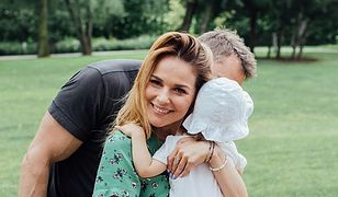 Paulina Sykut-Jeżyna ma córeczkę ze swoim mężem Piotrem. Mała jest ponoć bardzo kontaktowa i odważna