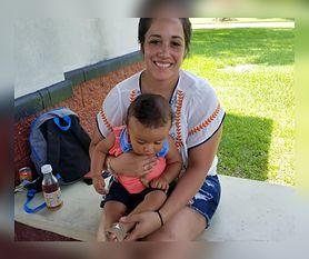 Kobieta została wyrzucona z pływalni, bo karmiła piersią