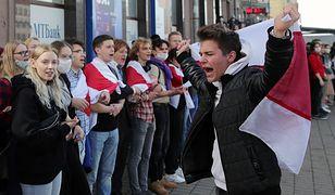 Białoruś. Wyroki dla dziennikarzy biorących udział w protestach