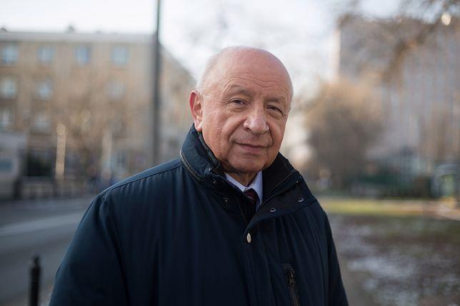 """""""Nieplanowane"""": szarpanina przed pokazem w Łodzi. Nie chcieli wpuścić prof. Chazana"""