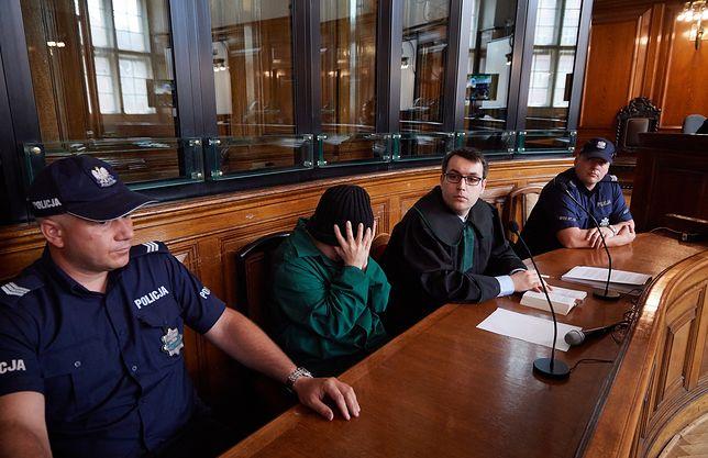 Leszek P. i jego pełnomocnik Marcin Klamann na sali sądowej.