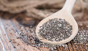 Nasiona chia są zdrowe, co nie znaczy, że można je spożywać w dowolnych ilościach