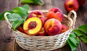 Brzoskwinie kontra nektarynki. Które są zdrowsze?