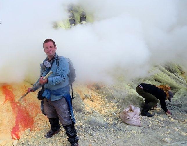 Grzegorz Gawlik górnikiem w Kawah Ijen był tylko jeden dzień. Stale tu pracujący szybko umierają.