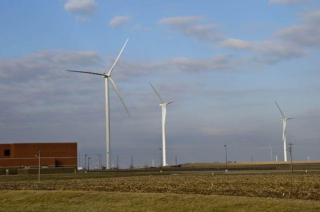 Farma wiatrowa.