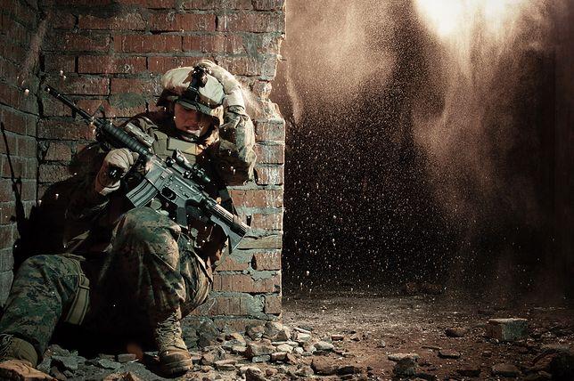 Żołnierz na wojnie będzie korzystał z nowoczesnych technologii