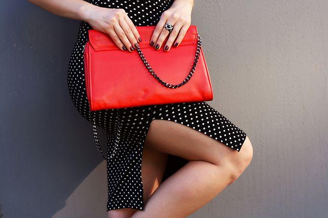 Mała kopertówka to obowiązkowy dodatek do eleganckich stylizacji