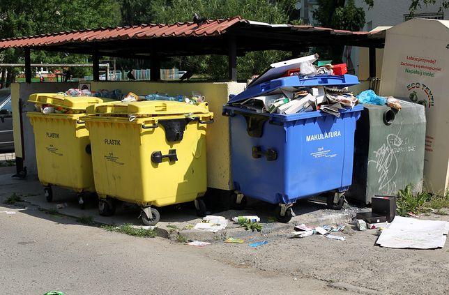 Warszawa. Właściciele biurowców i hoteli mają sami zadbać o wywóz śmieci
