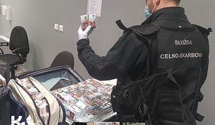 Warszawa. Przemyt na lotnisku. Od początku roku zatrzymano towary warte ponad 1,5 mln zł