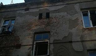 """Warszawa. Beton przelał się do kamienicy. """"Sytuacja opanowana"""""""
