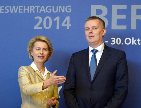 Tomasz Siemoniak w Berlinie: chcemy konkretów ws. NATO, a nie gadania