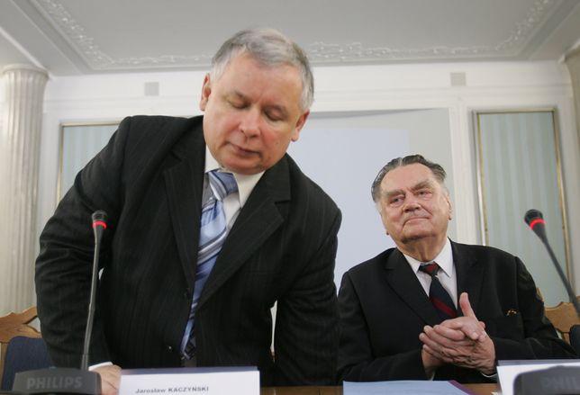 Jarosław Kaczyński i Jan Olszewski w Sejmie w 2007 roku.