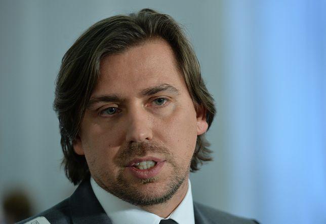 Żona byłego agenta CBA Tomasza Kaczmarka (na zdjęciu) usłyszała 12 zarzutów