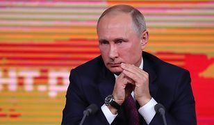 """Putin oskarżył Polaków, że chcą """"jeszcze bardziej utrudnić"""" relacje z Rosją."""