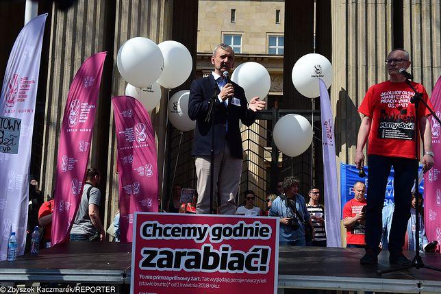 Dziś wielka manifestacja w Warszawie. Tysiące nauczycieli przyjechało po 1000 zł podwyżki