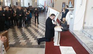 Prezydent Piotrkowa Trybunalskiego odczytał w sobotę akt zawierzenia